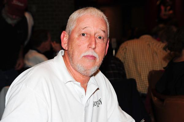 Joe Blackburn spoke on behalf of Larry Price & accepted the plaque for Larry's family