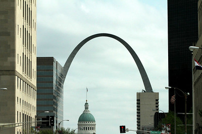 Saint Louis Skyline.  Arch and Court house clearly in view.