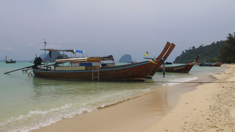 Longtail Boat Transfer to Koh Muk, Koh Ngai and Koh Kradan