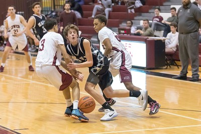 Lower_Merion_vs_Strath_Haven_boys_Bball__2017-16