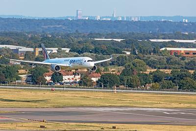 Qatar Airways Airbus A350-941 A7-ALZ 8-25-19
