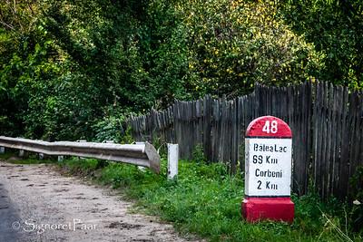 "Location and distance marker on the Transfăgărăşan Highway ""7C"""