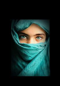 veiled2