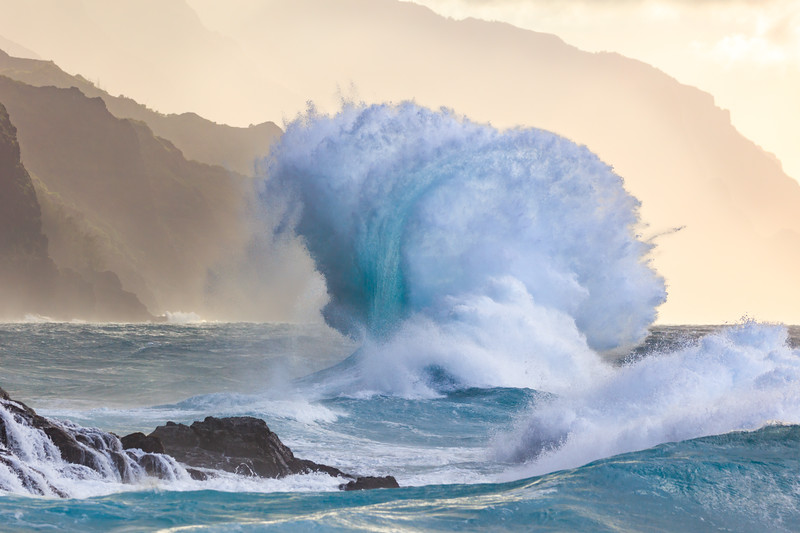 Na Pali Wave - Blue Stripe spray