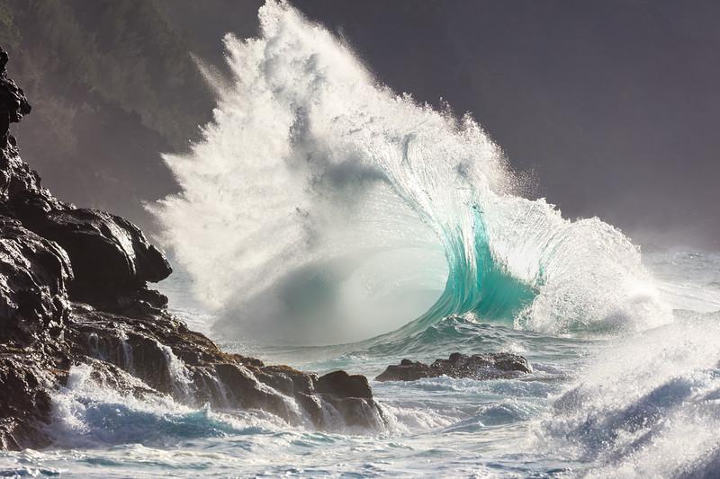 Na Pali Wave - Tail Flip