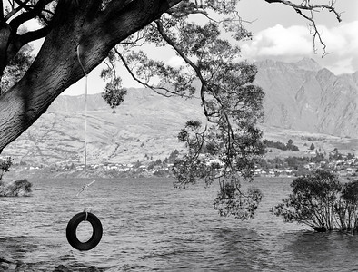Tire Swing (Queenstown, New Zealand)