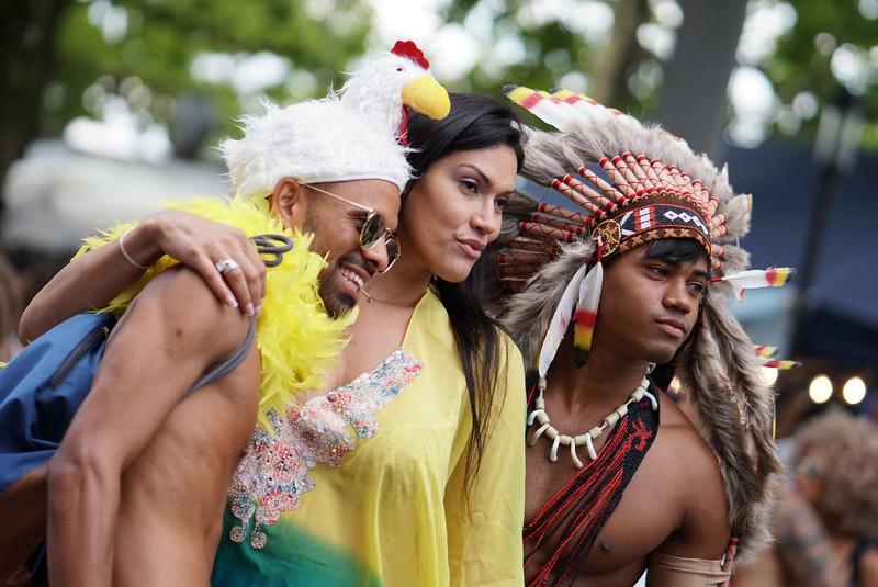 live-ticker mit #pics von alex direkt von der #streetparade! and #loveneverends http://www.fotostudio-alex.ch/Referenzen/Love-never-ends-streetparade-zurich-2017