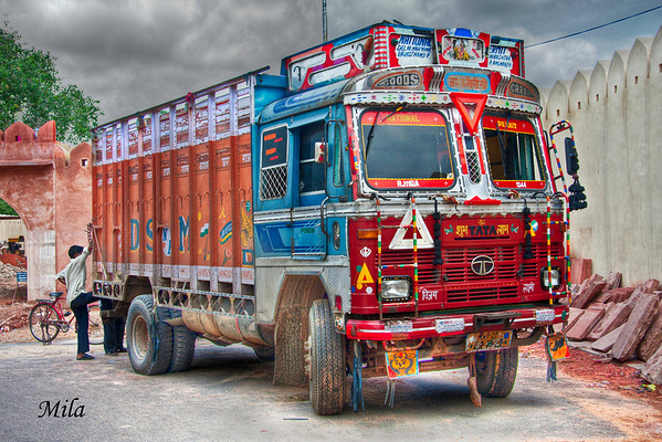 Even a van can be special and colorful. It's called 'Dulhan' in North India and means bride.