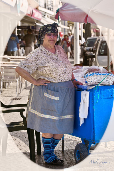 Nazaré has become a popular tourist place because it has long and beautiful sandy beaches but it used to be a fishing village where the women wear the traditional costume of several layers of petticoats. These dresses can still occasionally be seen.