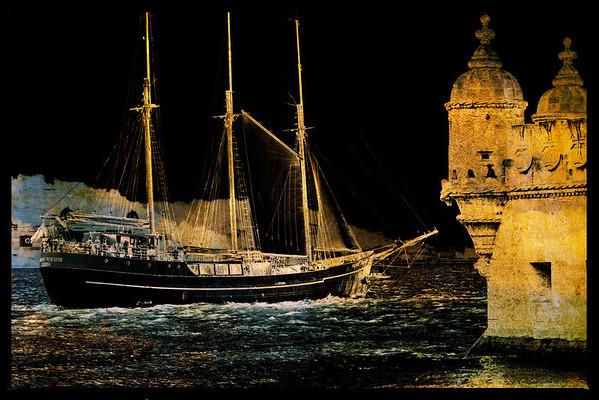 Leaving the harbour (Lisbon)