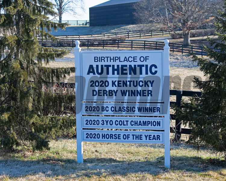Sign outside the entrance to Hurrican Place. <br /> Flawless with her 2021 colt, a full brother to Authentic, born on Feb. 7 at Hurricane Place farm near Cynthiana, Ky., on March 3, 2021. Photo: Anne M. Eberhardt