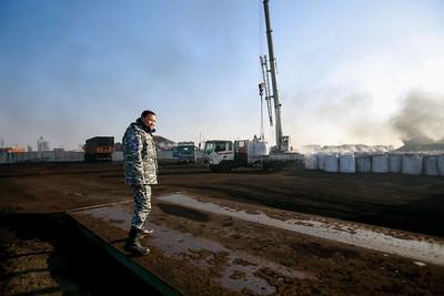 2020 оны нэгдүгээр сарын 01. Нийслэлийн Иргэдийн Төлөөлөгчдийн Хурлын Төлөөлөгч Б.Отгонсүх Таван толгой түлш ххк-ийн сайжруулсан шахмал түлшний үйлдвэрт ажиллаа.  ГЭРЭЛ ЗУРГИЙГ Б.БЯМБА-ОЧИР/MPA