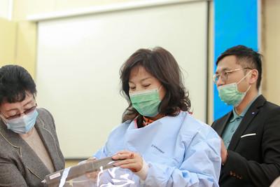 2020 оны дөрөвдүгээр сарын 11. ДЭМБ-аас ЭМЯ-нд эмнэлэгийн тоног төхөөрөмж гардууллаа. ГЭРЭЛ ЗУРГИЙГ Д.ЗАНДАНБАТ /MPA