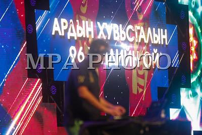 """2017 оны долоодугаар сарын11.""""Улаанбаатарын үдэш"""" цэнгүүн. Азарганы уралдаан. ГЭРЭЛ ЗУРГИЙГ Г.БАЗАРРАГЧАА /MPA"""