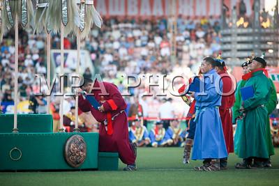 2017 оны долоодугаар сарын 12. Тулгар төрийн 2226, Их монгол улсын 811, Ардын хувьсгалын 96 жилийн ой, Үндэсний их баяр наадам.  ГЭРЭЛ ЗУРГИЙГ Б.БЯМБА-ОЧИР/MPA