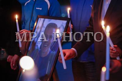 2016 оны наймдугаар сарын 18. ИБУИНВУ-ын иргэн уулчин, парапланы тамирчин Стив Нэш 2016 оны 8 сарын 31-ний өдөр Монгол Улсад аялж яваад амь насаа алдсан харамсалтай үйл явдал болсон билээ.  Монголын Уулчдын Үндэсний Холбоо, Монголын Агаарын Спортын Холбоо санаачлан уулчин, парапланы тамирчин Стив Нэшийн дурсгалыг хүндэтгэх зул өргөх үйл ажиллагаа  Үндэсний цэцэрлэгт хүрээлэнд боллоо. ГЭРЭЛ ЗУРГИЙГ Б.БЯМБА-ОЧИР/MPA
