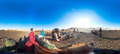 Говь-Алтай аймгийн Хөх морьт сумын хаврын нүүдэл. ГЭРЭЛ ЗУРГИЙГ Б.БЯМБА-ОЧИР/MPA