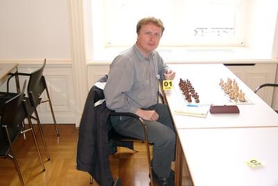 Hank - Vol verwachting wachtend op Vassily Ivanchuk