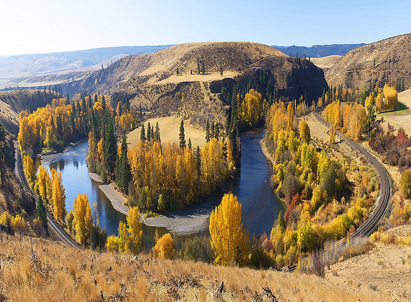 Bend of the river V<br /> Yakima River Canyon, Washington<br /> <br /> 02-204