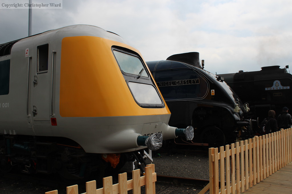 The prototype HST and the Gresley A4 of 40 years earlier show they have much in common