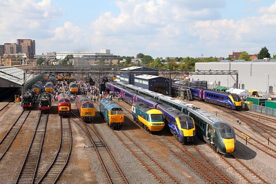 800003+180102+43002+50035+D1015+D821+7903+6023 and many more exhibts at the Old Oak Common open day on 2nd September 2017