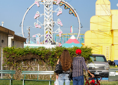 Joanna Dolney and Joyce Smith look up at Opening day of the Silver Dollar Fair Thursday May 25, 2017 at the Silver Dollar Fairgrounds in Chico, California. (Emily Bertolino -- Enterprise-Record)