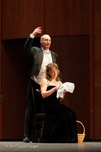 Soparno Elizabeth Calleo and tenor Jeffrey Thompson in  Opera Lafayette production of Grétry's Le Magnifique