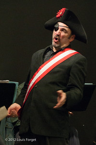 Tenor Robert Baker in rehearsal of Opera Lafayette's production of Il Barbiere di Siviglia by Paisiello