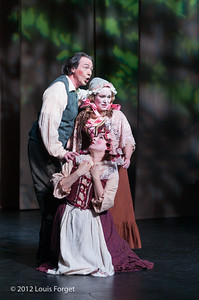 William Sharp, Dominique Labelle and Yulia Van Doren (kneeling) in Opera Lafayette's production of Le Roi et le fermier by Monsigny