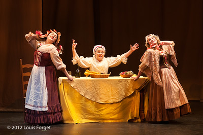 (L. to R.) Yulia Van Doren, Dolores Ziegler and Dominique Labelle in Opera Lafayette's production of Le Roi et le fermier by Monsigny