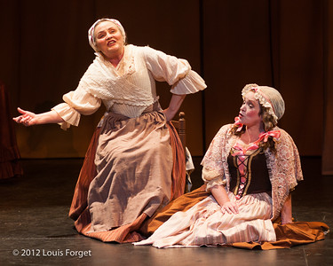 (L. to r.) Dolores Ziegler and Dominique Labelle in Opera Lafayette's production of Le Roi et le fermier by Monsigny