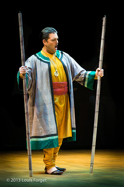Emiliano Gonzalez Toro in Opera Lafayette's production of Lalla Roukh by Félicien David