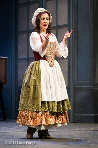 Claire Debono in Opera Lafayette's production of Mozart's Cosi fan tutte at the Opéra Royal, Versailles
