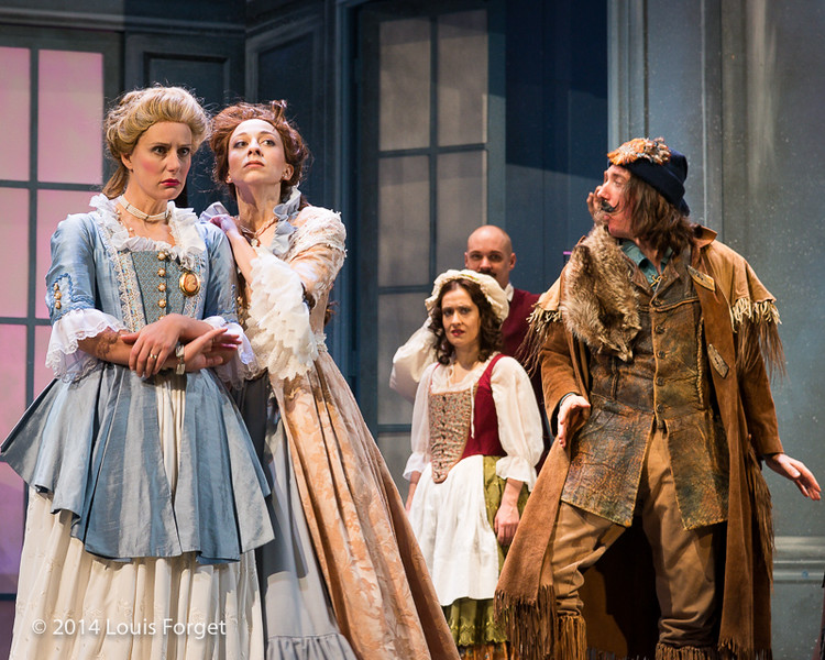 (L. to R.) Blandine Staskiewicz, Pascale Beaudin, Claire Debono, Jeffrey Thompson and Alex Dobson in Opera Lafayette's production of Mozart's Cosi fan tutte at the Opéra Royal, Versailles