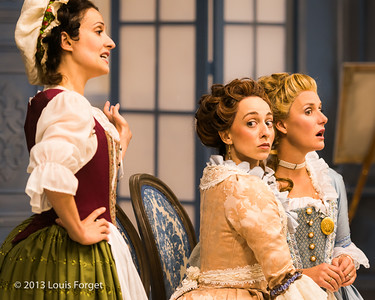 (L. to R.) Claire Debono, Pascale Beaudin and Blandine Staskiewicz in rehearsal of Opera Lafayette's production of Mozart's Cosi fan tutte
