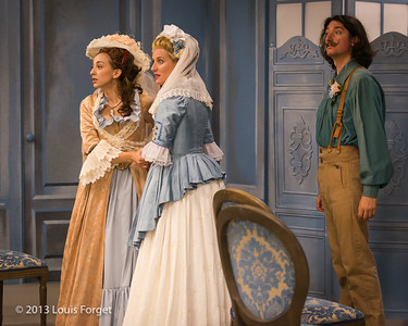 (L. to R.) Pascale Beaudin, Blandine Staskiewicz and Alex Dobson in rehearsal of Opera Lafayette's production of Mozart's Cosi fan tutte