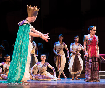 Tenor Jeffrey Thompson (l.), soprano Claire Debono (r.) and members of Kalanidhi Dance in Opera Lafayette's production of Rameau's Les Fêtes de l'Hymen et de l'Amour ou Les Dieux d'Égypte