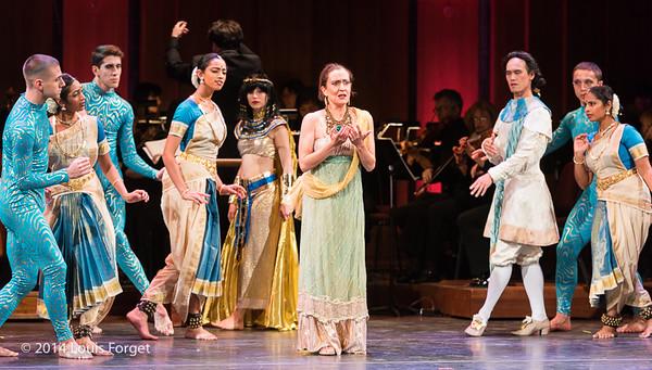 Soprano Claire Debono (center) with dancers of the Seán Curran Company, Kalanidhi Dance and the New York Baroque Dance Company in Opera Lafayette's production of Rameau's Les Fêtes de l'Hymen et de l'Amour ou Les Dieux d'Égypte