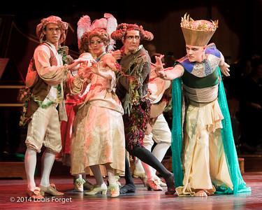 Tenor Jeffrey Thompson (r.) with members of the New York Baroque Dance Company in Opera Lafayette's production of Rameau's Les Fêtes de l'Hymen et de l'Amour ou Les Dieux d'Égypte