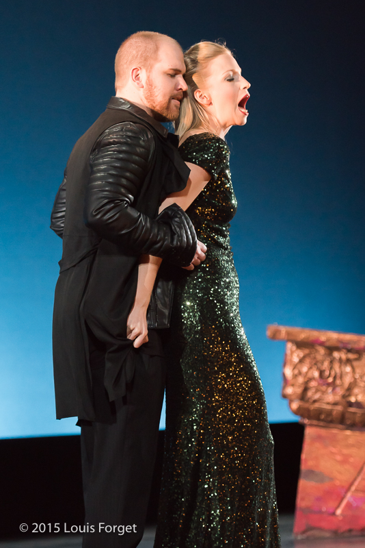 (L. to R.) Countertenor Eric Jurenas and mezzo-soprano Julia Dawson in Opera Lafayette's production of Vivaldi's Catone in Utica