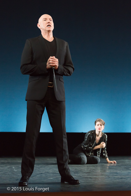(L. to R.) Tenor Thomas Michael Allen and mezzo-soprano Anna Reinhold in Opera Lafayette's production of Vivaldi's Catone in Utica