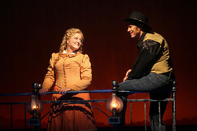 Deborah Voigt as Annie Oakley and Rod Gilfry as Frank Butler in The Glimmerglass Festival's production of Annie Get  Your Gun. Photo: Julieta Cervantes.