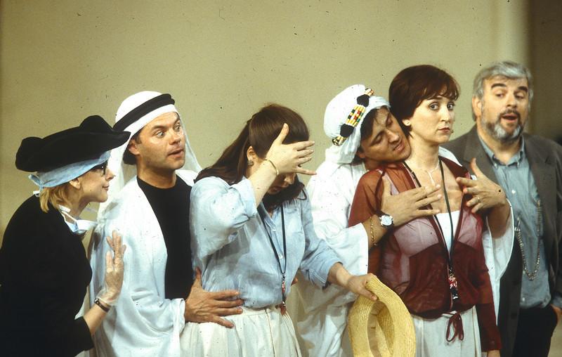 'Cosi Fan Tutti' Opera  performed by Glyndebourne Opera, East Sussex, UK 1998