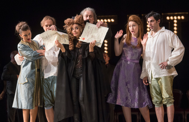 'Cosi Fan Tutti' Opera performed at the Royal Opera House, London, UK