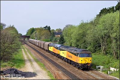47749 'Demelza'+47739 'Robin of Templecombe' pass Bentley Heath, Dorridge with 6Z48 1305 Burton upon Trent West Yard-Dollands Moor on 23/04/2009.