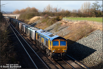 66714 passes Wheatcroft Farm, Nuneaton whilst working 4G80 0816 MO Rugeley Power Station FGD-Hotchley Hill on 10/02/2014.