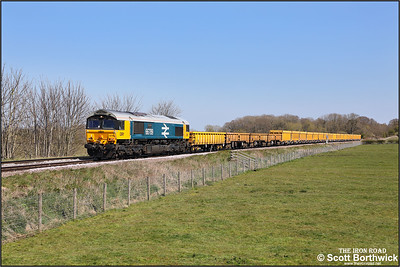 66789 passes Rearsby whilst working 6M60 Whitemoor Yard LDC-Mountsorrel Sdgs on 19/04/2021.