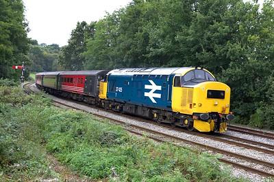37425 powers away from Ystrad Mynach on 17/09/2005 with 2F30 Rhymney-Cardiff Central on 17/09/2005.