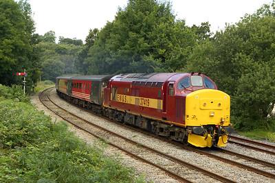 37419 powers away from Ystrad Mynach with 2F26 1215 Rhymney-Cardiff Central on 20/08/2005.