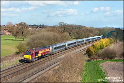67008 propels 1H64 1512 MO STP Birmingham Snow Hill-London Marylebone down Hatton bank on 06/04/2015. (Photo taken with camera mounted on a pole & remotely triggered)